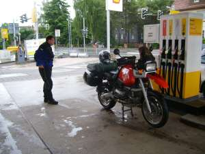 31. Mai 2009 - Q vom allwetterfahrer wird getankt